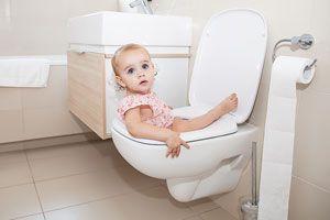 Ilustración de Cuándo enseñar al niño ir al baño