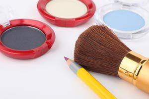 Ilustración de Cómo aplicar el delineador eyeliner