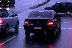 Ilustración de Cómo conducir con lluvia