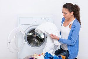 Trucos de limpieza para quitar manchas de sudor en camisas blancas. Cómo eliminar las manchas amarillentas en las camisas