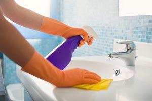 Ilustración de Cómo limpiar el lavabo del baño