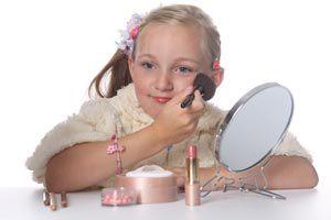 Ilustración de Cómo ayudar a las niñas a maquillarse: Algunas recomendaciones