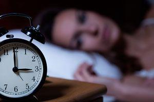 Ilustración de Cómo Evitar el Insomnio con Remedios Naturales