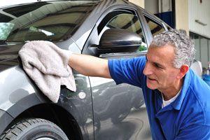 Ilustración de Cómo Lavar el Auto