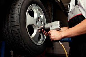 Ilustración de Cómo cuidar y mantener las llantas o neumáticos del auto