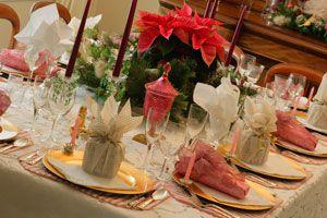 Ilustración de Cómo preparar centros de mesa originales para Navidad