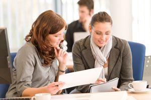 Ilustración de Cómo Mejorar la Comunicación en el Trabajo