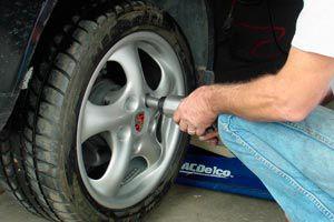 Ilustración de Cómo cambiar el neumático de un coche