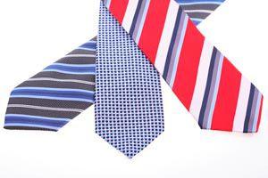 Ilustración de Cómo planchar una corbata