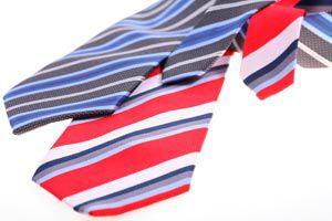 Cómo Limpiar y Lavar las Corbatas
