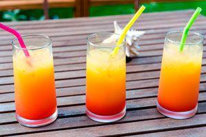 Ilustración de Cómo preparar tequila sunrise