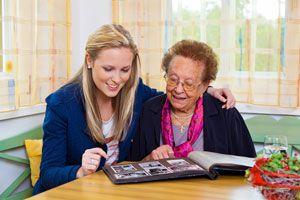 Ilustración de Cómo saber si un familiar tiene Alzheimer