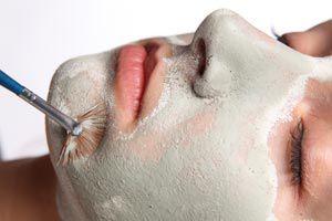 Cómo preparar lociones y máscaras para piel seca con frutas y verduras.