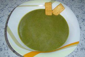Ilustración de Cómo hacer sopa crema de espinacas en el microondas