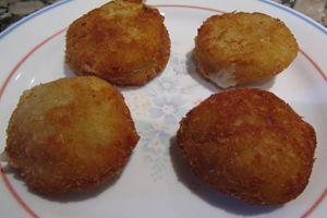 Ingredientes para hacer bolitas de queso. Preparación de las bolitas de queso.
