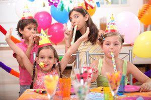 Ilustración de Cómo organizar cumpleaños infantiles. Lugar, decoración, animación, menú, etc.