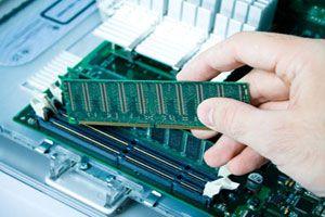 Ilustración de Cómo Colocar una Memoria RAM en nuestra Placa Base