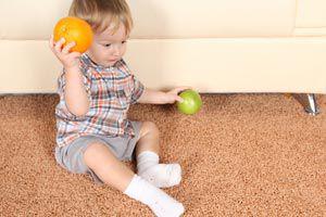 Ilustración de Cómo estimular a un bebé de 8 meses