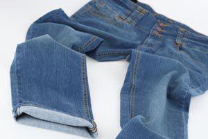 Ilustración de Cómo renovar tus viejos Jeans