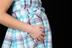 Ilustración de Tercer mes de embarazo, desarrollo del bebé y cambios en la mamá