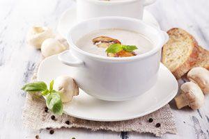 Ilustración de Cómo hacer sopa de castañas y hongos