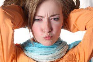 Cómo combinar las bufandas (mujeres)