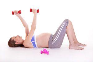Ilustración de Cómo realizar ejercicios para prepararse para el parto