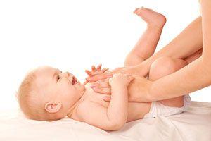 Ilustración de Cómo ayudar a un Bebé Estreñido