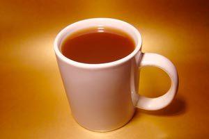 Una taza caliente de alguna infusión natural es ideal para combatir el insomnio