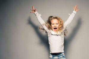 Ilustración de Cómo Controlar a un Niño Hiperactivo