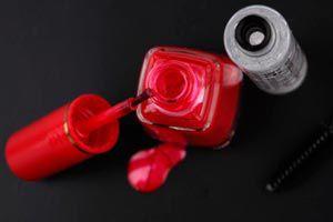 Ilustración de Cómo cuidar el esmalte de uñas
