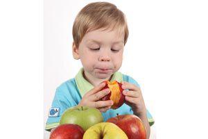 Ilustración de Cómo hacer para que los niños coman frutas y vegetales