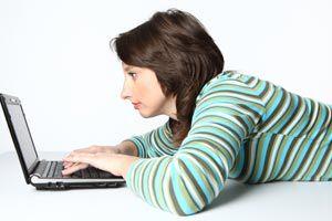 Ilustración de Cómo mantener una amistad online