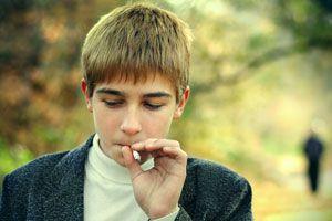 Ilustración de Cómo evitar que los adolescentes empiecen a fumar