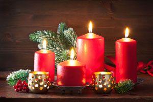 Ilustración de Cómo decorar velas para la Navidad