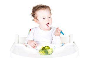 Ilustración de Cómo Hacer que Coma un Niño de 1 año