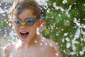 Ilustración de Cómo Entretener a los Niños en los Días de Calor