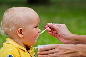 Ilustración de Cómo Alimentar a un Niño cuando comienza a Caminar