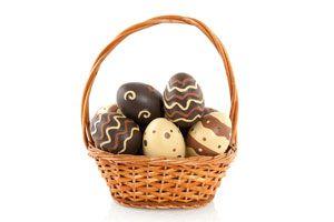 Ilustración de Cómo hacer Huevos de Pascuas rellenos de Helado