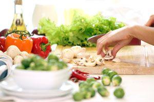 Ilustración de Cómo cocinar con menos grasas