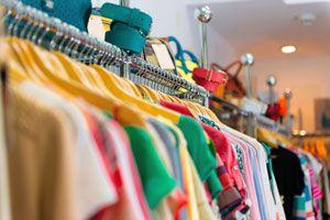 Ilustración de Cómo guardar la ropa de verano en invierno