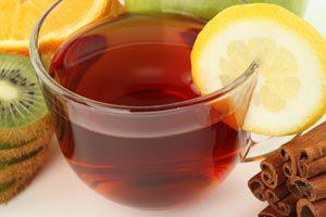 Ilustración de Cómo usar el té para aliviar síntomas comunes