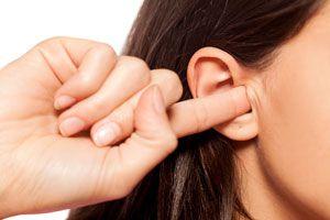 Ilustración de Cómo Quitar el Agua Atrapada en los Oídos