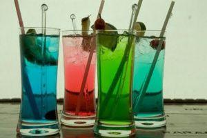 Ilustración de Cómo hacer Tragos y Bebidas de Varios Colores