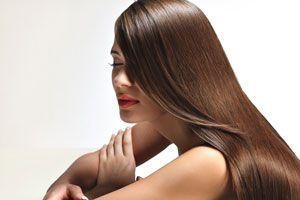 Ilustración de Cómo identificar y cuidar el cabello lacio