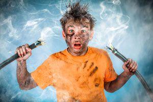 Ilustración de Cómo prevenir accidentes eléctricos en el hogar