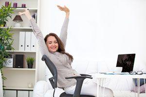 Ilustración de Cómo hacer estiramientos en la oficina