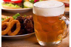 Ilustración de Cómo acompañar la cerveza con comidas