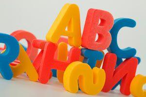 Ilustración de Cómo decorar con letras una habitación infantil