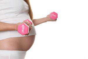 Ilustración de Cómo practicar deportes durante el embarazo